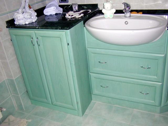 mobili realizzati su misura se avete problemi di spazio nel vostro bagno o se desiderate arredarlo in modo originale e con prodotti di qualit