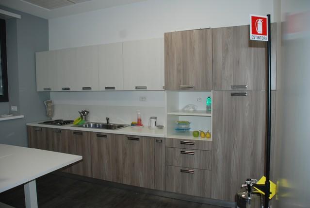 Cucine finta muratura roma ante e telai legno massello - Cucine su misura prezzo al metro ...