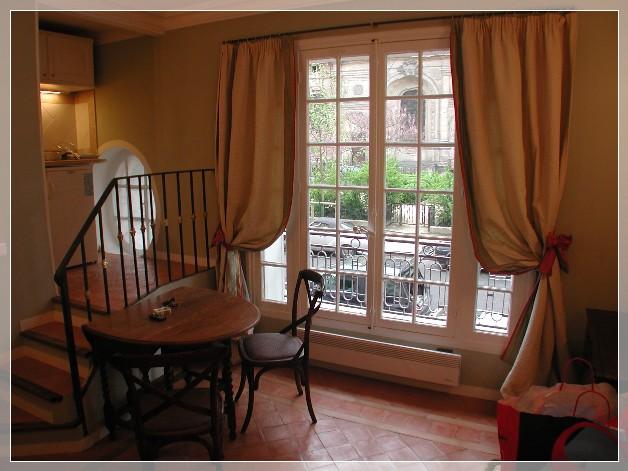 Finestre in legno artigianali per forniture particolari - Le finestre roma ...